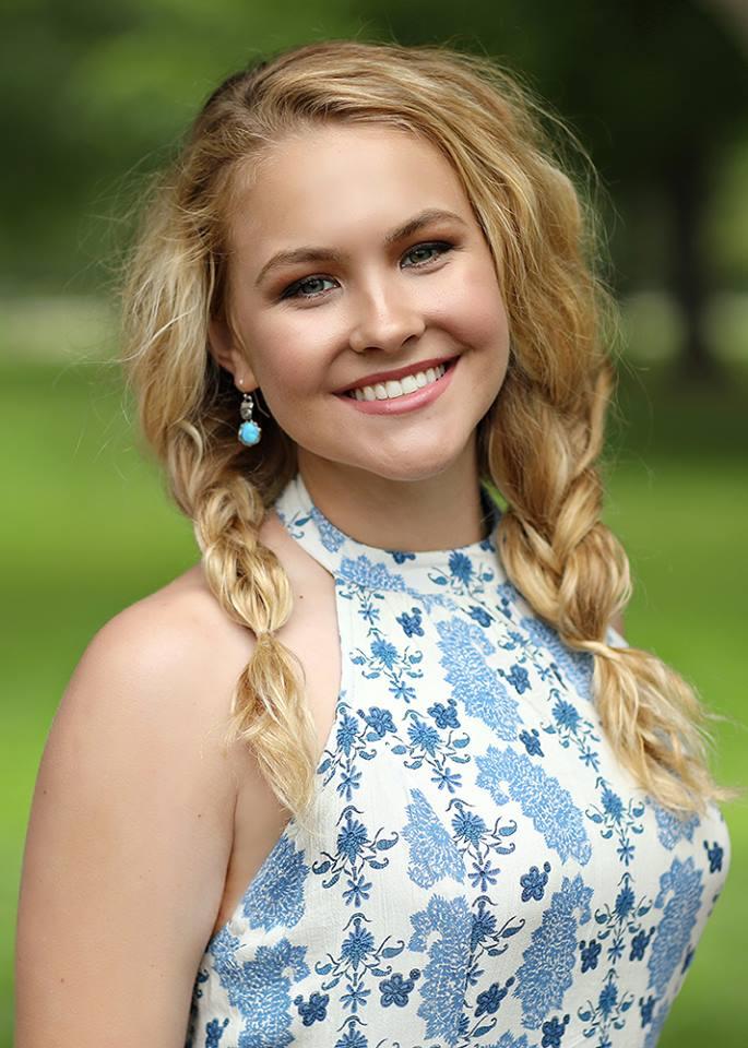 Appleton Makeup Artist - Senior Riley