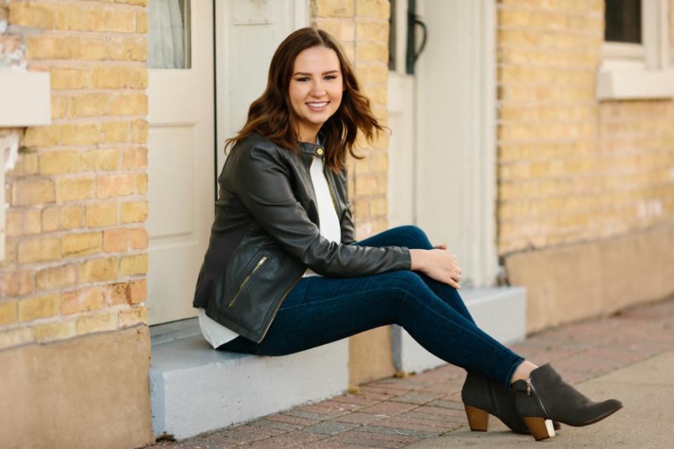 Appleton Makeup Artist Senior- Olivia